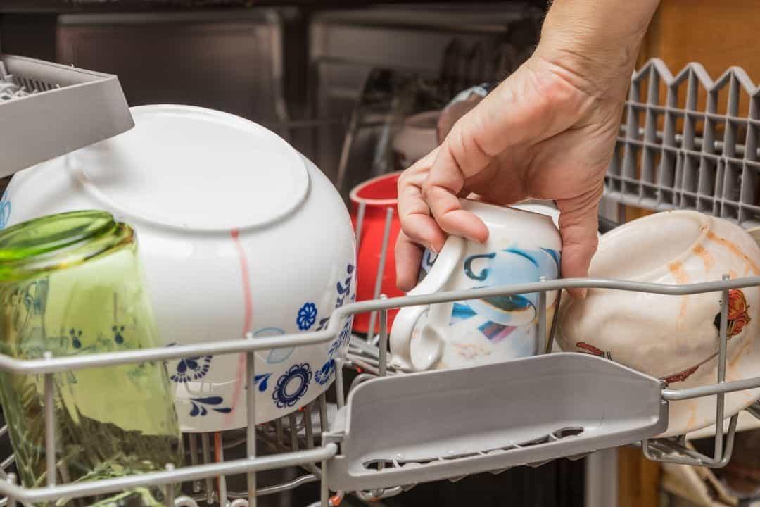 bols et tasses après lavage
